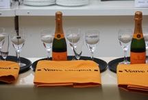 Der Kellnerlauf des 26. Bremer-Weinfestes / Bei der Eröffnung des Bremer-Weinfestes hat unser Team beim Kellnerlauf einen tollen 3. Platz erreicht! / by prizeotel