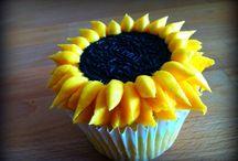 Cupcakes / by Anita Allen