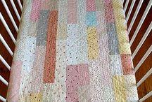 Crafts - Quilts / by Elizabeth Pugh