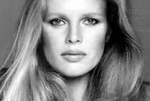 bsafoto ♥ Beautiful Faces ♥ Close up ♥ Caras ♥ People / Caras .. Faces .. Close ups ..  Black & white  Beautiful  / by bsafoto.com