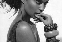 Jewelry photography / L'univers féminin par excellence / by Jean-Paul Tari