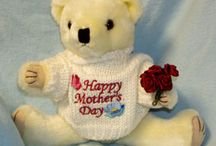 Huggable Teddy Bears  / by Cylinda Mathews
