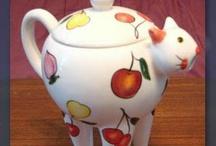 Ceramic Cats / by Jenne Psait