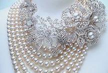 sil-diamonds-jewerly / by Silmara Magnifica