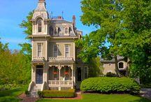 Homes I Love / by Brandi Settle