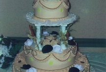 wedding cakes / by Dellena Gilbert