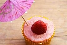 cupcakes :} / by Rachel Nowaczyk Welniak