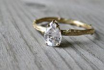 Jewelry / by Kelly Maziarka