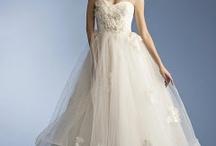 iwedplanner | Modern Wedding Dresses / by iwedplanner