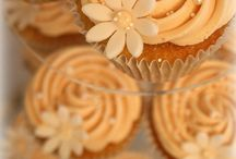 Cupcakes / by mallika peter