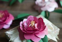 Blooming Beauty with Metallic Papers / Camellia Blooms - How to make your own! Free templates and easy links to paper. / by Paper-Papers