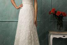 Wedding Dress / by LeeAnn McMahan