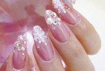 Nails / by Ana Shudo