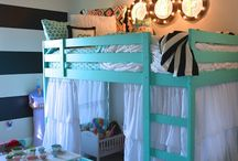 Kids rooms / by Dianna Lindahl