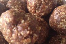 Low Carb/GI - Snacks / by Belinda Ross