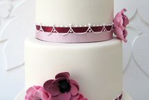 Fondant cakes / by Chic