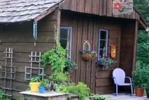 Country Cottage Retreats / by Rhoda Craycraft