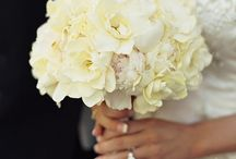Wedding Flowers / by Jordyn Fones