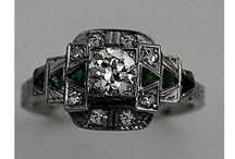 Vintage jewelry / by Margo Bangert