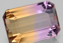 Jewelry & Gemstones / by Shannon Minton