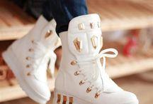 SnEaKeRs / Shoes / by Nobzietladi N.T