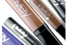 Beauty to try: mascara / by Lisa H