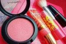 I Love MakeUp / by Amanda Moros