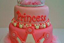Cakes / by Mama Dri