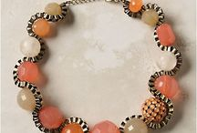 Create our necklace :) / by Lilyta Partida