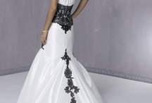 Wedding dresses / by Jennifer Whalen