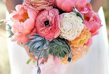 Flowers / by Aubree Rasmussen