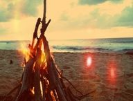 ♥Bonfires/Firepits♥ / by Sherrie Hughes