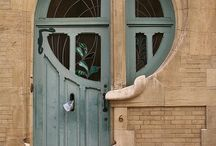 Doors that make you THINK / by Kathy Sloan Thacker