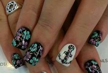 NAILS!!! / by Allison Cecil