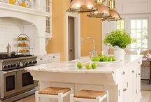 Kitchens I love / by Sylvia Vickers