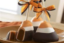 Cakes, Cupcakes and Cakepops / by Colette