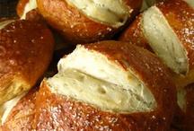 Bread & Rolls / by Christen Ripoli