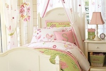 Little Girl's Bedroom / by Hilary Koehl Riedemann
