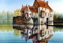 Castles / by Gayle Bryan