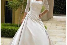 Robes : mariée et demoiselles d'honneur / Wedding dress, robes de mariées, robes demoiselles d'honneur, tenues soirées cocktails / by Lynda Mence
