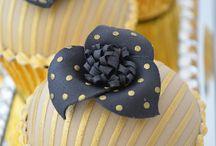 Decorative Cupcakes & 'Pops' / by Mary Gresham