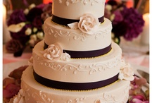Wedding cakes with flowers / by Modern Wedding Photography