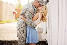 Couples/Engagement Photography Ideas / by Rachelle Biswell