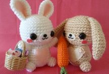 Amigurumi (Crochet) / This board is filled with FREE amigurumi or crochet patterns that I like. If they are not free or are knits, then they are in my other amigurumi board / by Amanda Wong