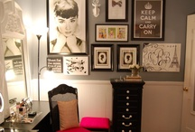House Ideas: Dressing Room / Pink and black for sure :) / by Ashley Shade