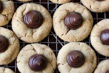 Galletas, cookies, rosquillas, pastas, mantecados,... / (Con pistola de repostería, con hojaldre, recetas básicas, con fondant, decoraciones, trucos..) / by Handmade & Creativity