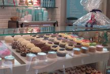 Cupcakes Store ideas / by Maria Vasquez