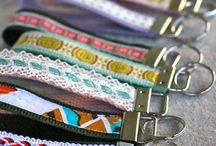 DIY: KEY CHAINS, FOBS / by Laurie Millet