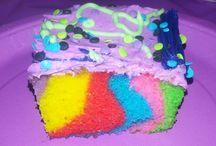 Desserts / Sweet treats / by Mischelle Johnson