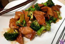 Food: Crockpot Recipes / by Melody Dyer